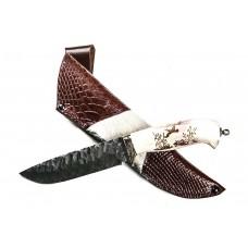 Нож Волк: сталь дамаск, каменный век; резная рукоять рог лося, художественный рисунок